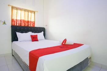 RedDoorz @ Pematangsiantar 2 Pematangsiantar - RedDoorz Room Best Deal