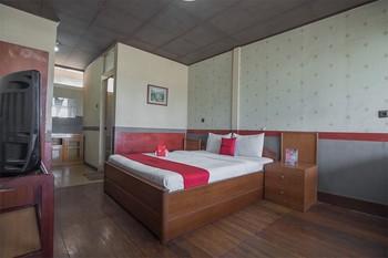 RedDoorz @ Maribaya Street Bandung - RedDoorz Room 24 Hours Deal