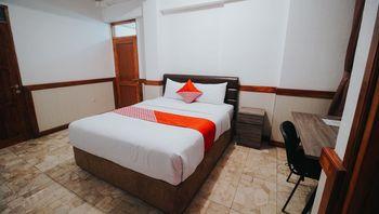 OYO 1209 Tirtasari Nice Guesthouse Bandung - Deluxe Double Room Regular Plan