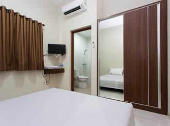 RedDoorz near Cengkareng Airport Jakarta - RedDoorz Room Special Promo Gajian!