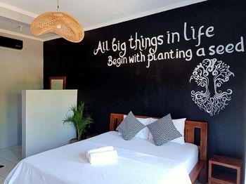 Bali Beats Guesthouse Uluwatu Bali - Kamar Deluxe Double dengan Balkon Regular Plan