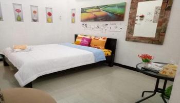 Khayyira Syariah Homestay Lumajang - Deluxe Room Regular Plan