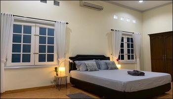 Full House at The Omah Alun Alun  Yogyakarta - Full House Rent Regular Plan