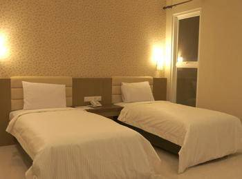 Hotel Emerald Surabaya - Deluxe Twin Room Only  Regular Plan