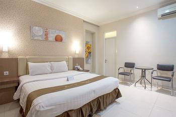 Life Emerald Hotel Surabaya Surabaya - Deluxe Room Regular Plan