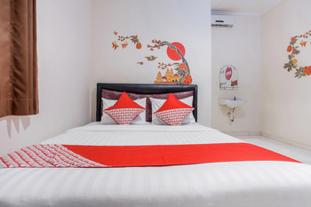 OYO 138 Graha 99 Surabaya - Standard Double Room Regular Plan