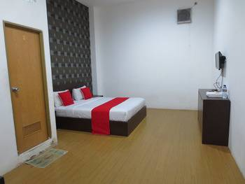The Glory Mansion Jakarta - Deluxe Room Regular Plan
