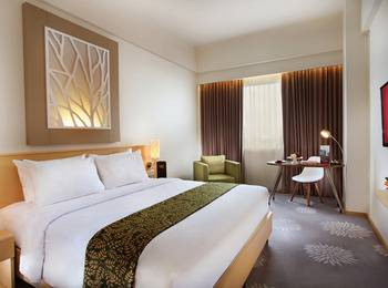 Swiss Belinn Manyar Surabaya - Deluxe Room with Breakfast Regular Plan