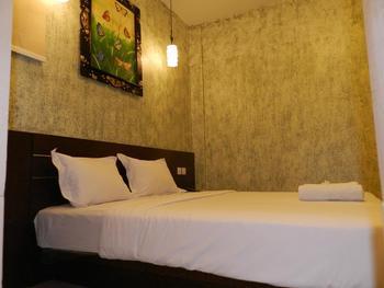 S8 Suardana Hotel  Bali - Deluxe Room  Last Minute 50%