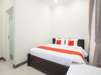 RedDoorz @ Jalan Kawi Malang - RedDoorz Room Regular Plan