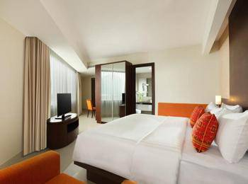 Santika Premiere Bintaro - Suite Room King Regular Plan