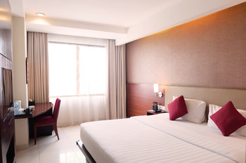 Santika Premiere Bintaro - Deluxe Room King Offer 2020 Last Minute Deal