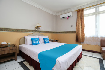 Airy Tanjung Karang Raden Intan 114 Bandar Lampung - Deluxe Double Room with Breakfast Special Promo Dec 45