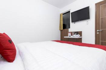 RedDoorz near Mall Of Indonesia Jakarta - RedDoorz Room with Breakfast Regular Plan