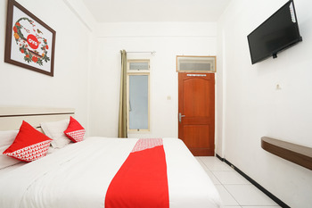 OYO 661 Galaxy Homestay Surabaya - Standard Double Room Regular Plan