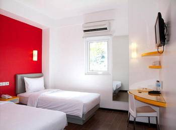Amaris Hotel Ambon - Smart Room Twin Regular Plan