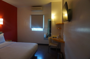 Amaris Hotel Ambon - Smart Double Room Regular Plan