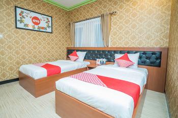 OYO 975 Cita Mandiri Residence Syariah Malang - Deluxe Twin Room Regular Plan