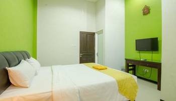 Putri Utari Guest House Malang - Deluxe Double Room Only Regular Plan