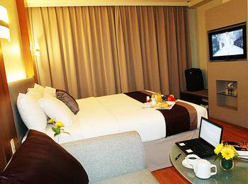 Cemara Hotel Jakarta - Junior Suite with Breakfast Regular Plan
