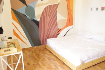 Hotel Kupu Kupu Bandung - Deluxe King Room Refundable 35% Promotion