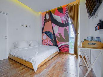 Hotel Kupu Kupu Lembang - Deluxe King Room KETUPAT