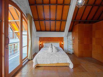Hotel Kupu Kupu Lembang - Villa 35% Promotion - Non Ref