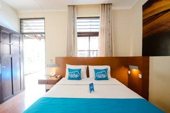 Airy Klojen Lamongan 12 Malang - President Double Room with Breakfast Special Promo Mar 28