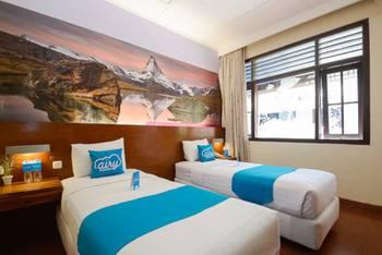 Airy Klojen Lamongan 12 Malang - Standard Twin Room With Breakfast Special Promo Feb 24