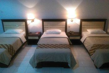 Paiton Resort Hotel Probolinggo - Standard Triple Bed Regular Plan
