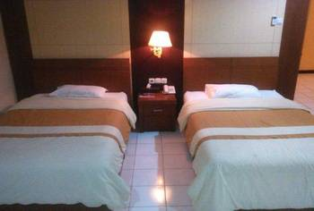 Paiton Resort Hotel Probolinggo - Superior Twin Bed Regular Plan