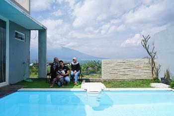 The Cendana Villa - Batu Malang - The Cendana Villa 25 - 3 Bedroom Mountain View PROMO disc 35% 22mei-30juni