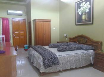 D'Cemara Guest House Jambi - Deluxe Double Room Regular Plan