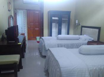 D'Cemara Guest House Jambi - Deluxe Twin Room Regular Plan