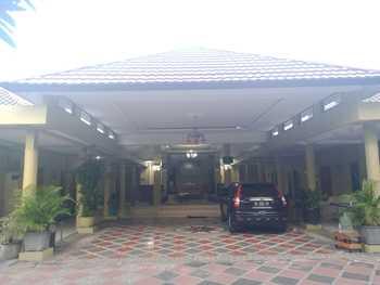 D'Cemara Guest House