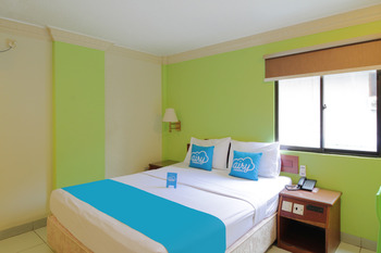 Airy Komplek Nagoya Square Blok C 66 Batam - Standard Double Room with Breakfast Special Promo Mar 5