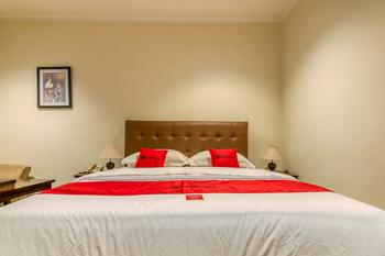 RedDoorz Plus near Dharmawangsa Square Jakarta - RedDoorz Twin Room Kurma Deal