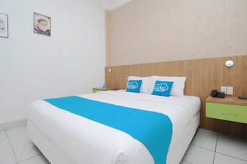 Airy Pasar Baru Selat Panjang 11 Medan - Royal Double Room with Breakfast Special Promo 7