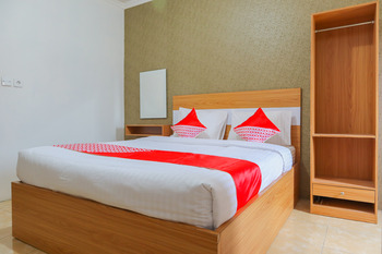 OYO 2547 Assirot Residence Near Medika PermataHijau Hospital Jakarta - Deluxe Double Room Regular Plan