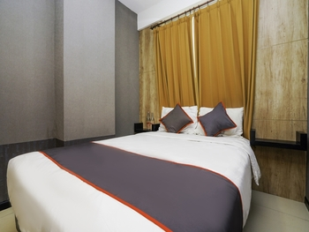 Collection O 29 Twin Tower Surabaya - Suite Double Regular Plan