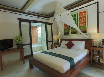 Gusde Tranquil Villa Bali - Deluxe Pool View Regular Plan