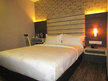 Paragon Nagoya Hotel Batam Batam - Superior Double Regular Plan