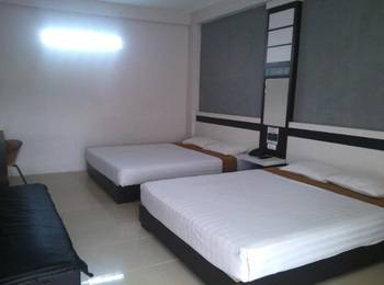 De Wahyu Hotel & Convention Malang - Deluxe Family Room Only Regular Plan