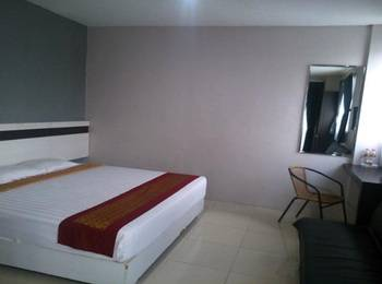 De Wahyu Hotel & Convention Malang - Deluxe Couple Room Only Regular Plan