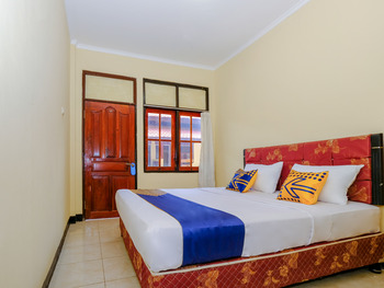 SPOT ON 2185 Hotel Elen Lombok - Standard Double Room Regular Plan