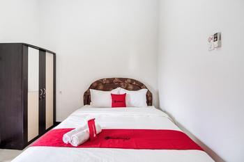 RedDoorz @ Kledokan Ambarukmo Yogyakarta - RedDoorz Room Last Minute Deal