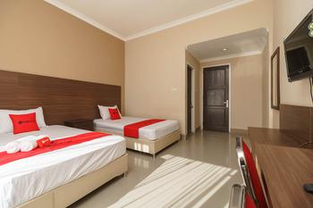 RedDoorz @ Hotel Putri Gading Bengkulu Bengkulu - RedDoorz Twin Room Basic Deal