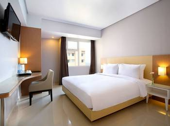 Hotel Santika Depok -  Deluxe Room King Offer Last Minute Deal