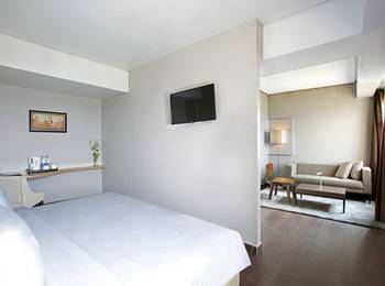 Hotel Santika Depok - Executive Room King Regular Plan