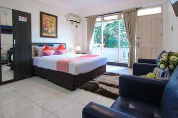 OYO 965 Gading Guesthouse